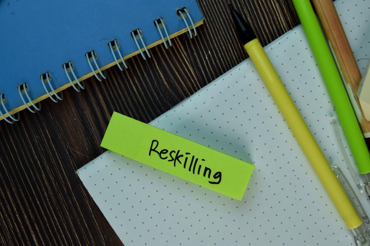 RESKILLING LÀ GÌ? TẠI SAO RESKILLING LẠI QUAN TRỌNG VÀ CẦN THIẾT TRONG DOANH NGHIỆP
